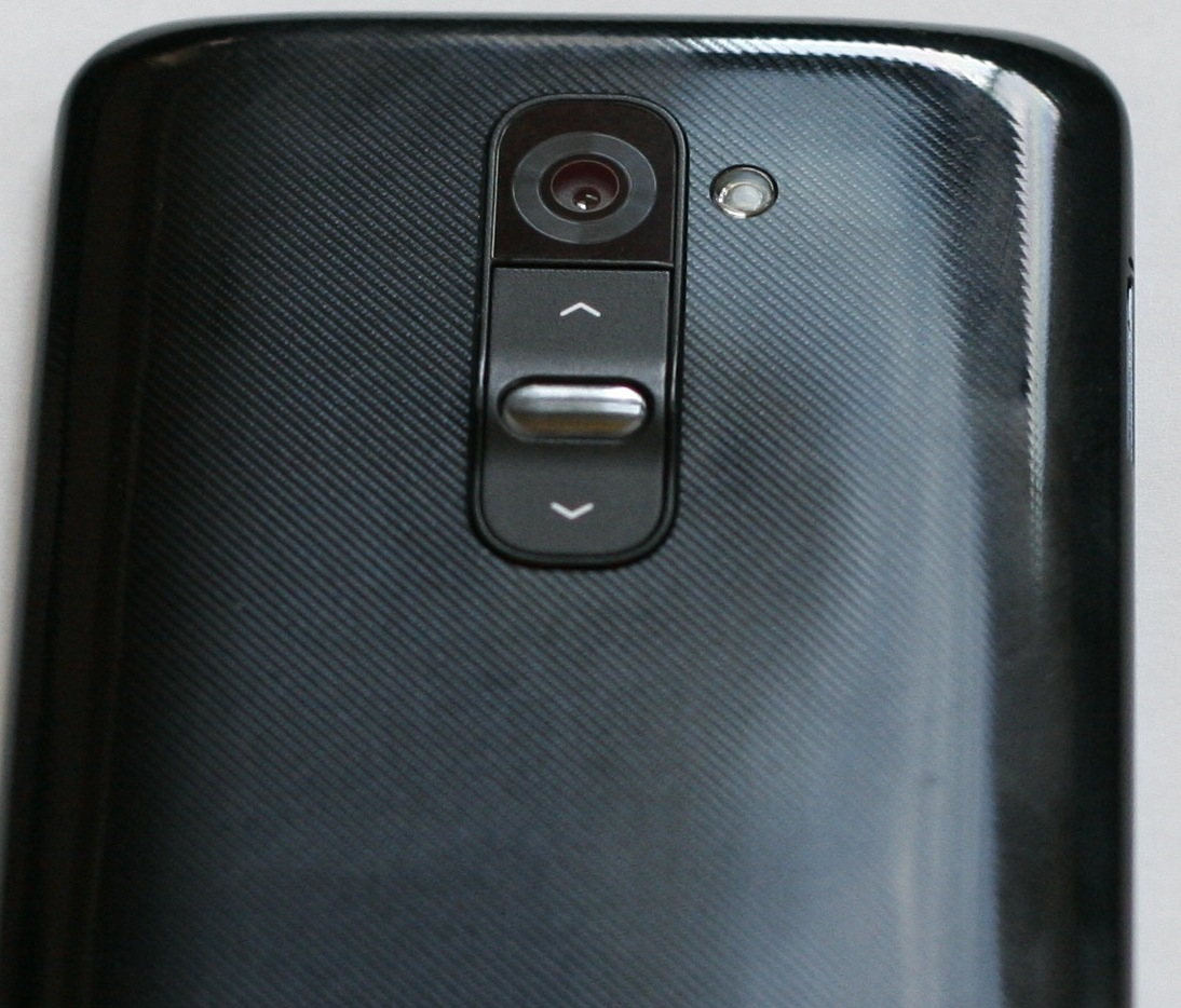 LG G2 First Impressions Business In Front Buttons On Back
