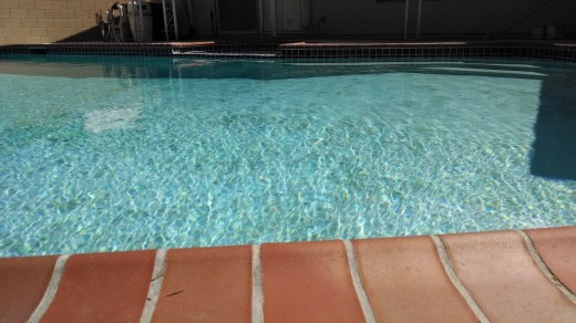 pool motox 520x292 Smartphone camera shootout: Lumia 1020, iPhone 5s, G2 and Moto X