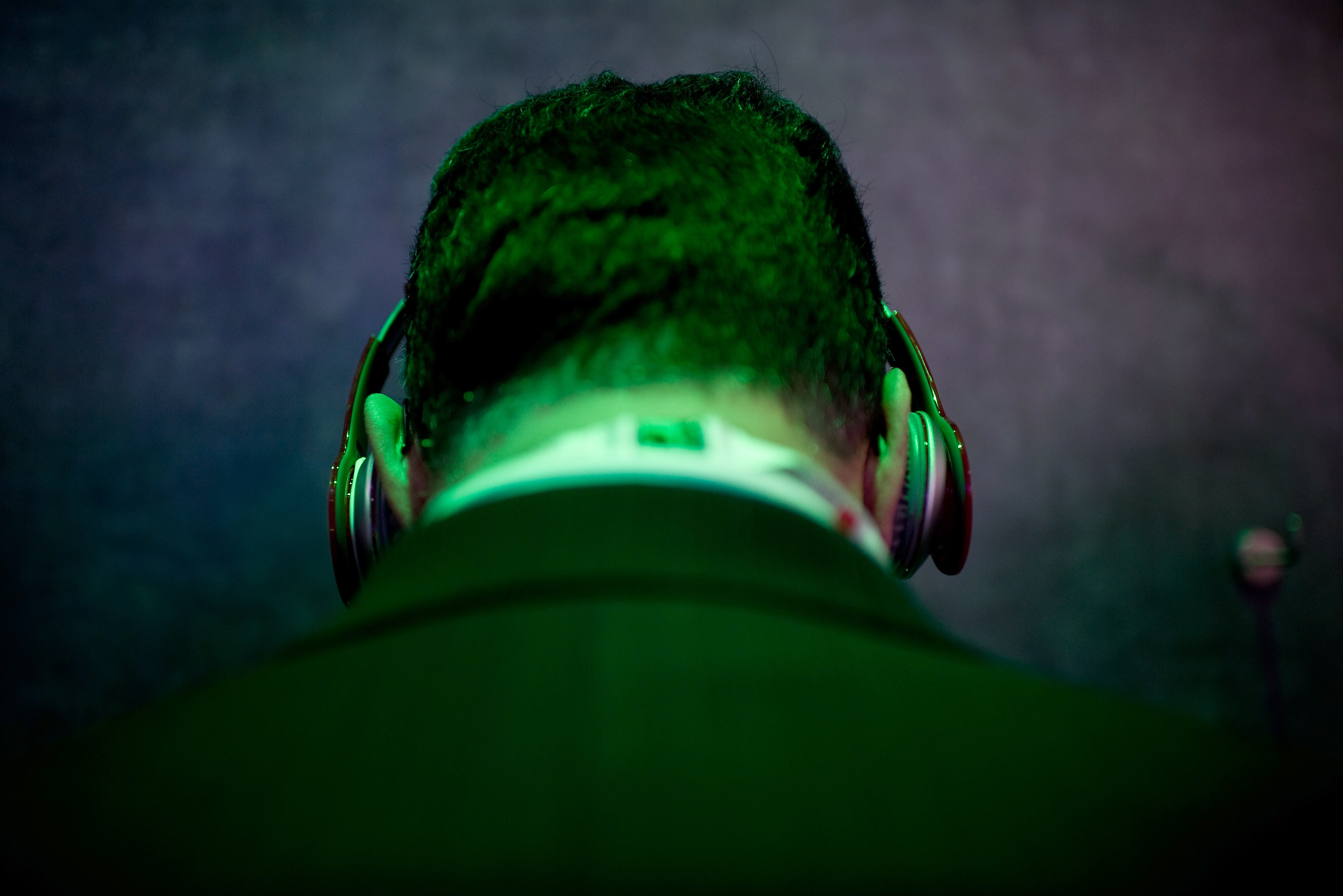 What Music Does to Your Brain While You Work
