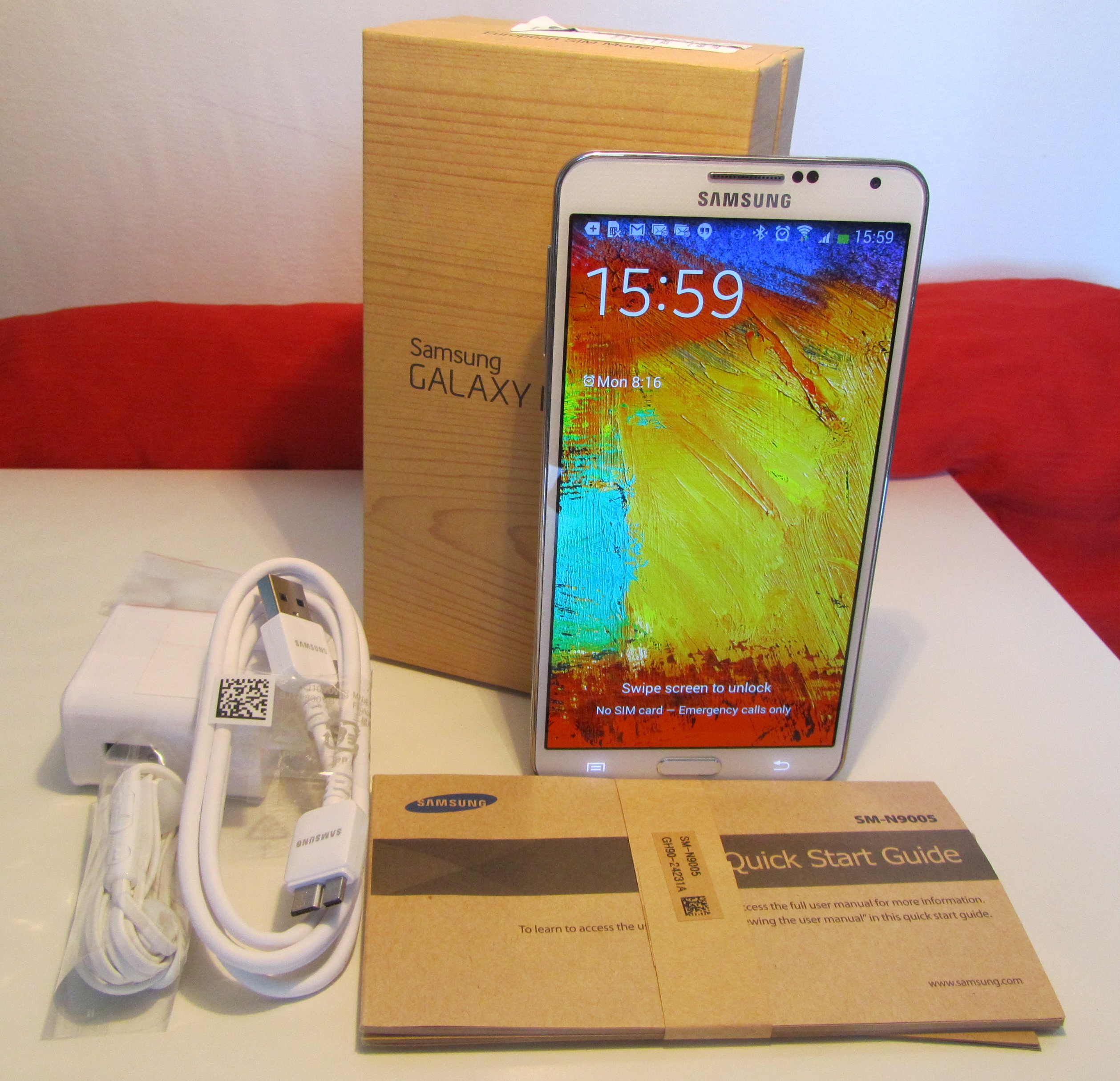 Note3 unboxing1 Samsung Galaxy Note 3 review: One of the best Android handsets money can buy, if you can hold it