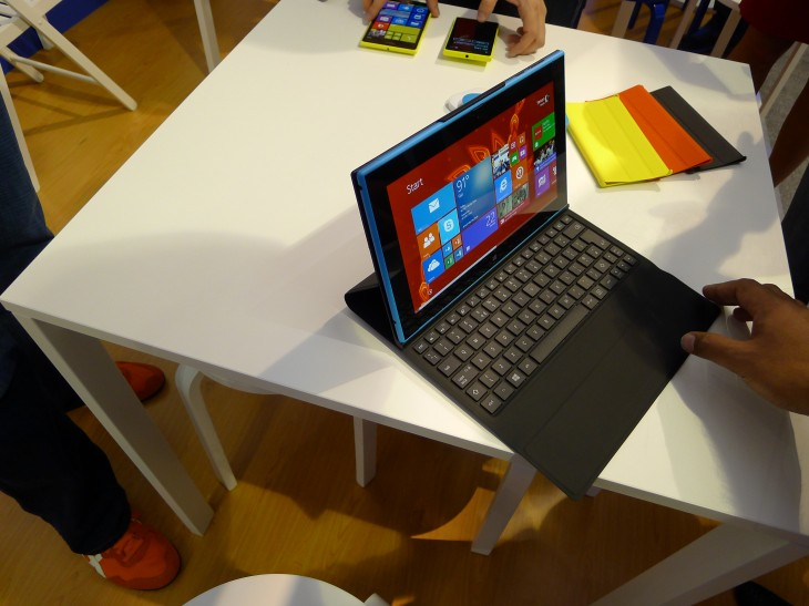 Nokia Lumia 2520 hands-on: Does this 10.1″ Windows RT 8.1 tablet deserve your attention?