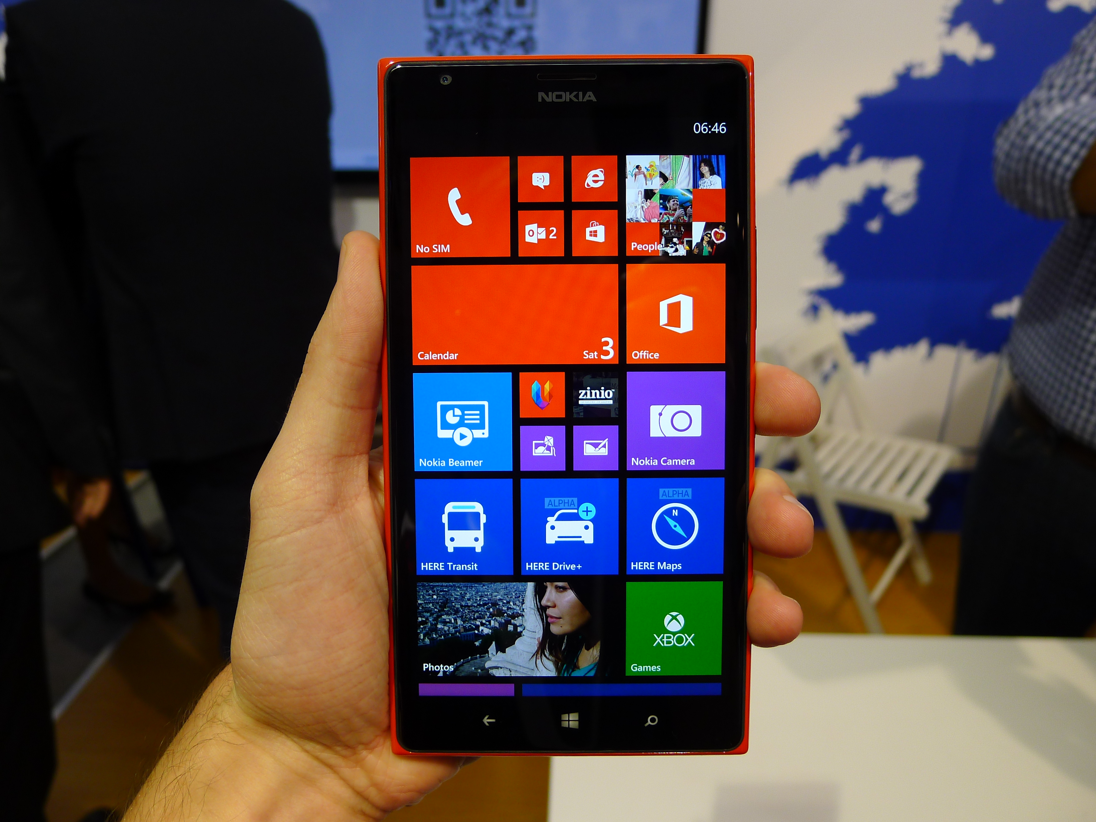 P1040503 Nokia Lumia 1520 hands on: This colossal 6, 1080p quad core smartphone is sizing up the Galaxy Note 3