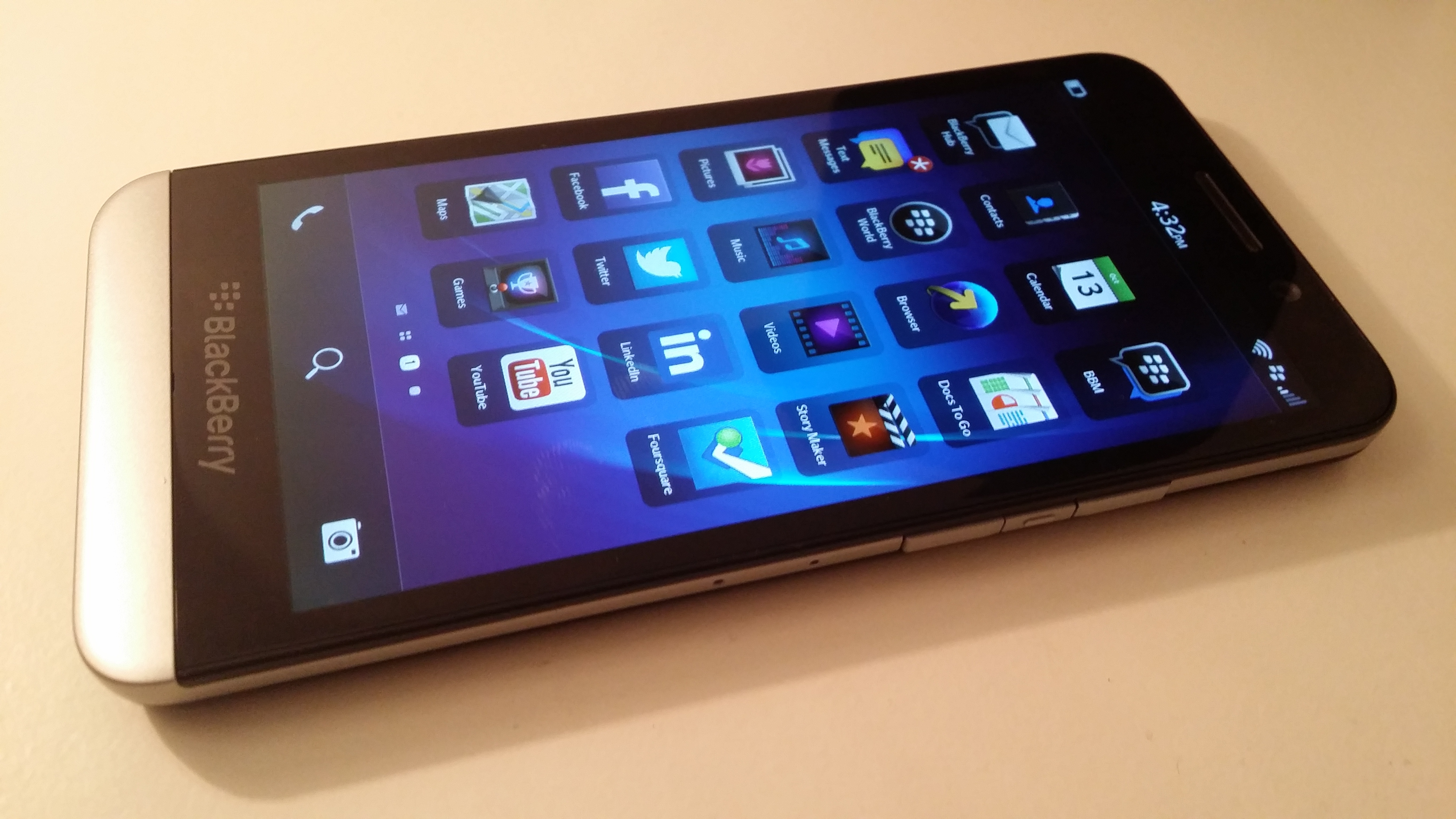 BlackBerry Z30 Review: What Exactly Is the Problem with This Phone?