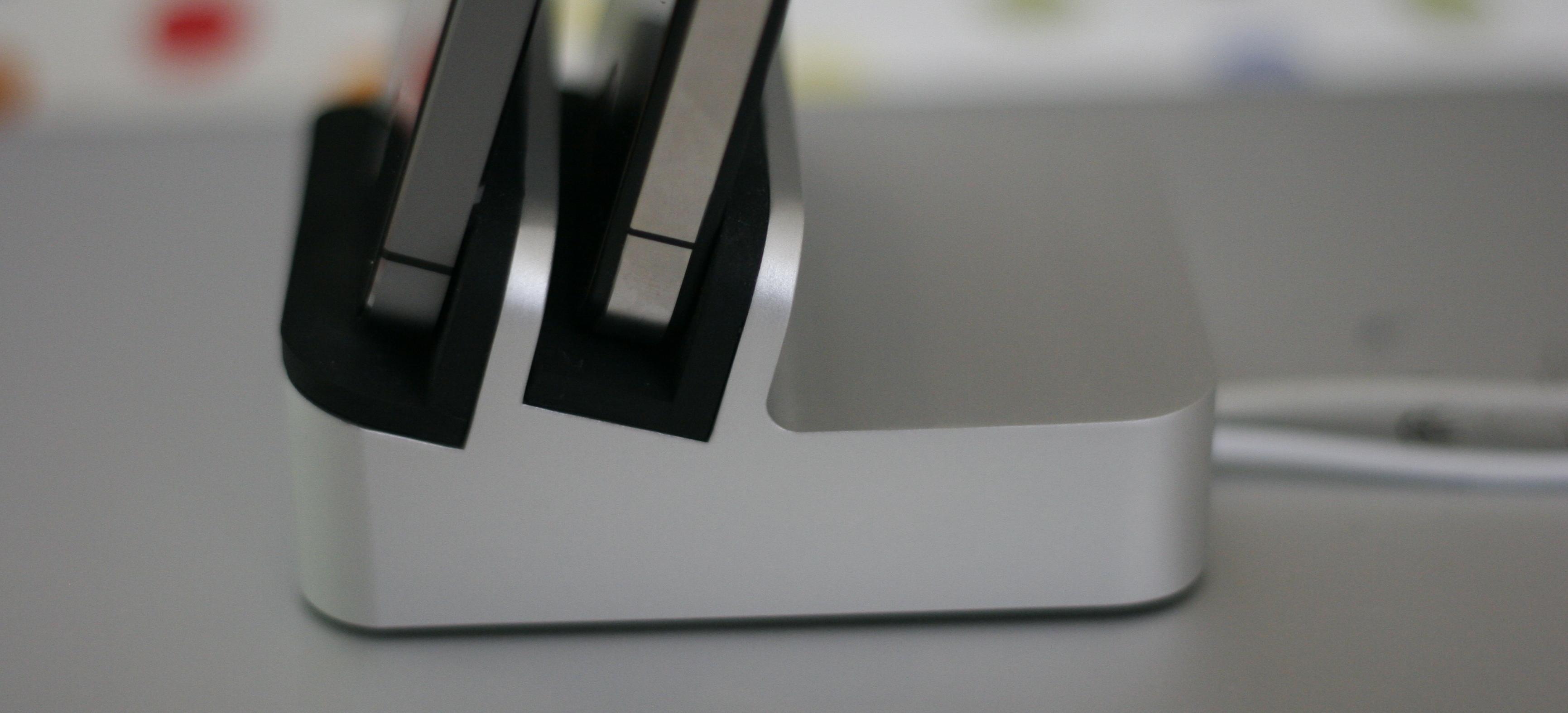 EverDock Hands-On: A Slick Universal Dock for Smartphones, Tablets