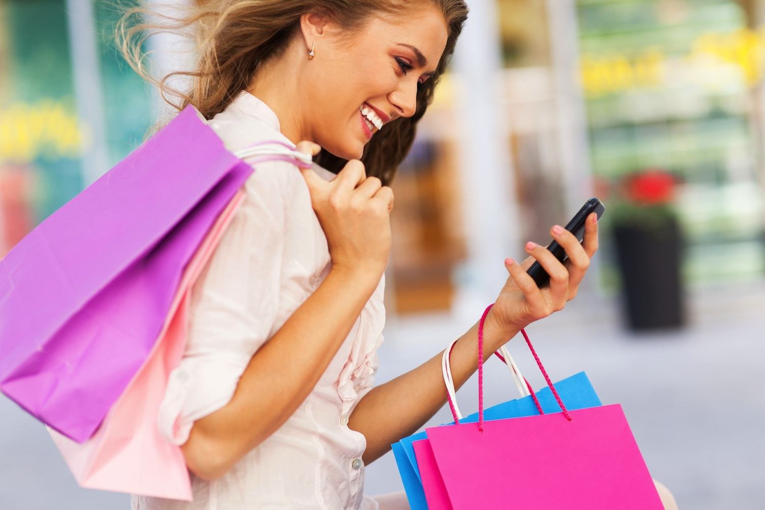 Strategies For Getting Mobile-Savvy Shoppers Back in Retail Stores