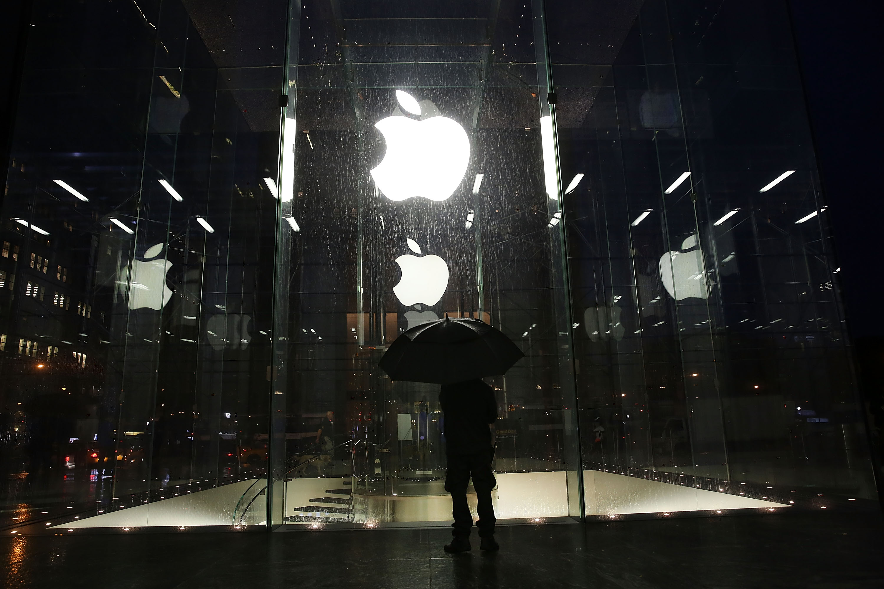 Apple's 2013: Acquisitions, Free Software and Incremental Updates