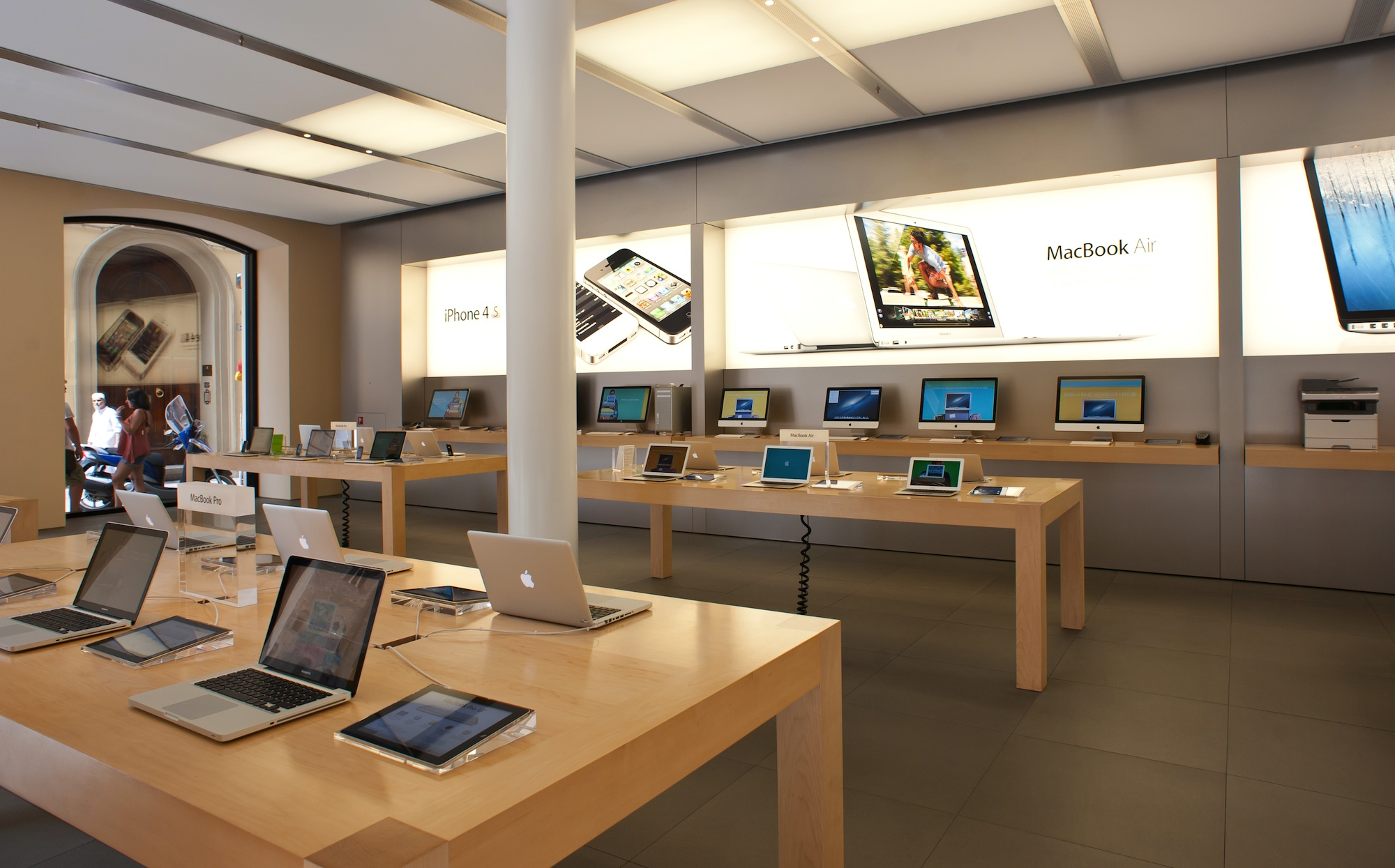 5 experiences commerce websites should replicate from the for Documents apple store