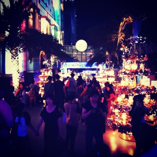 ig9 520x520 Why is a shopping mall in Thailand Instagrams most photographed place in 2013?