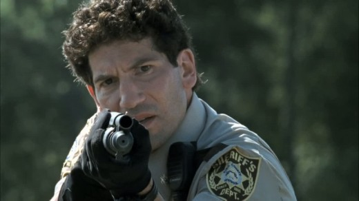 the-walking-dead-shane-mossberg-590-aiming