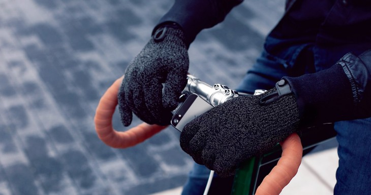 Double Layered Touchscreen Gloves Fixed Gear 007 730x385 Mujjos mitts: This companys taking touchscreen gloves to the next level