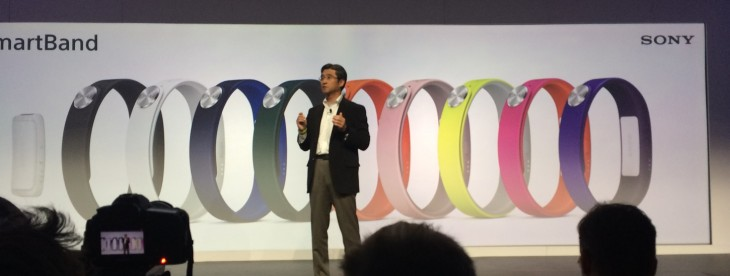 Sony unveils the SmartBand, a wearable device that tracks more than just physical activity