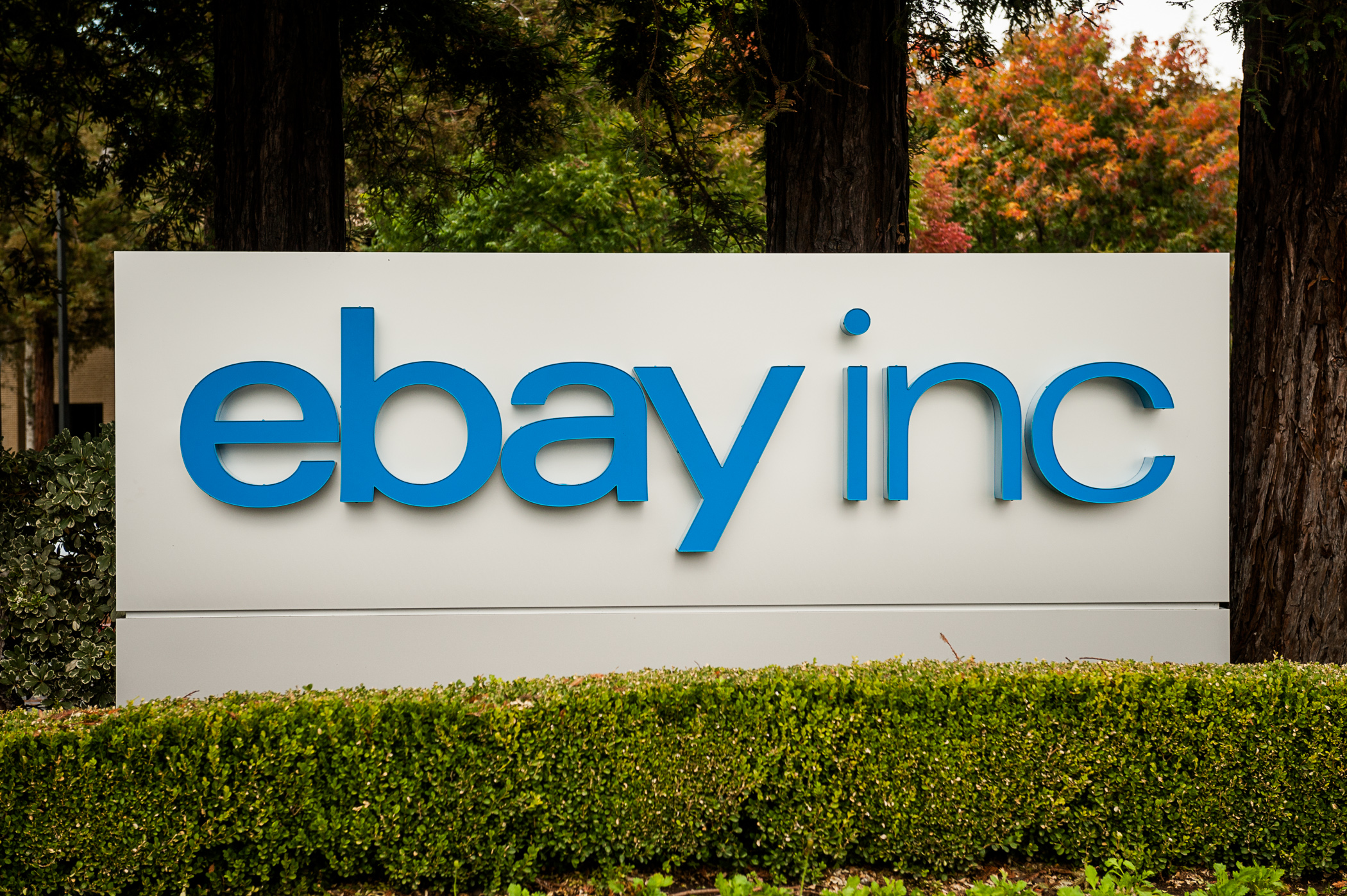 eBay Inc Reveals Activist Investor Carl Icahn Wants To Spinoff PayPal
