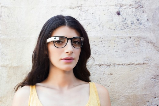 glass12 520x346 Google Glass can now be used with regular glasses after Google introduces $225 frames