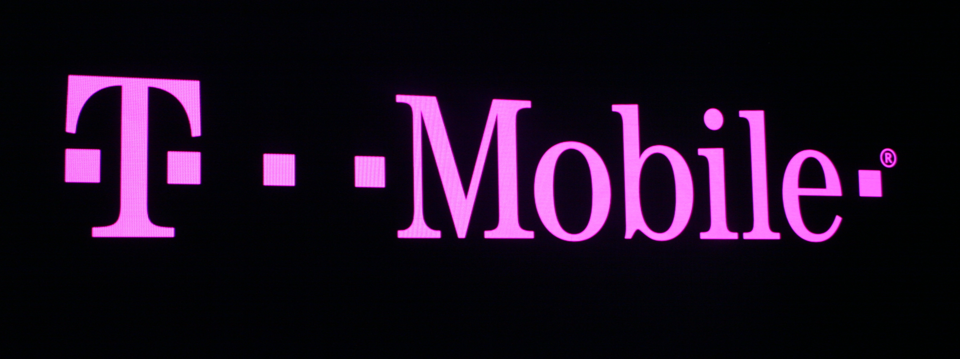 T-Mobile US offers to pay early termination fees for customers switching from other carriers