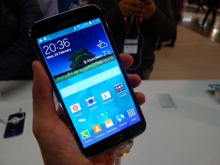 P1050073 730x547 Samsung Galaxy S5 hands on: Is the fingerprint scanner and heart rate monitor just a gimmick?