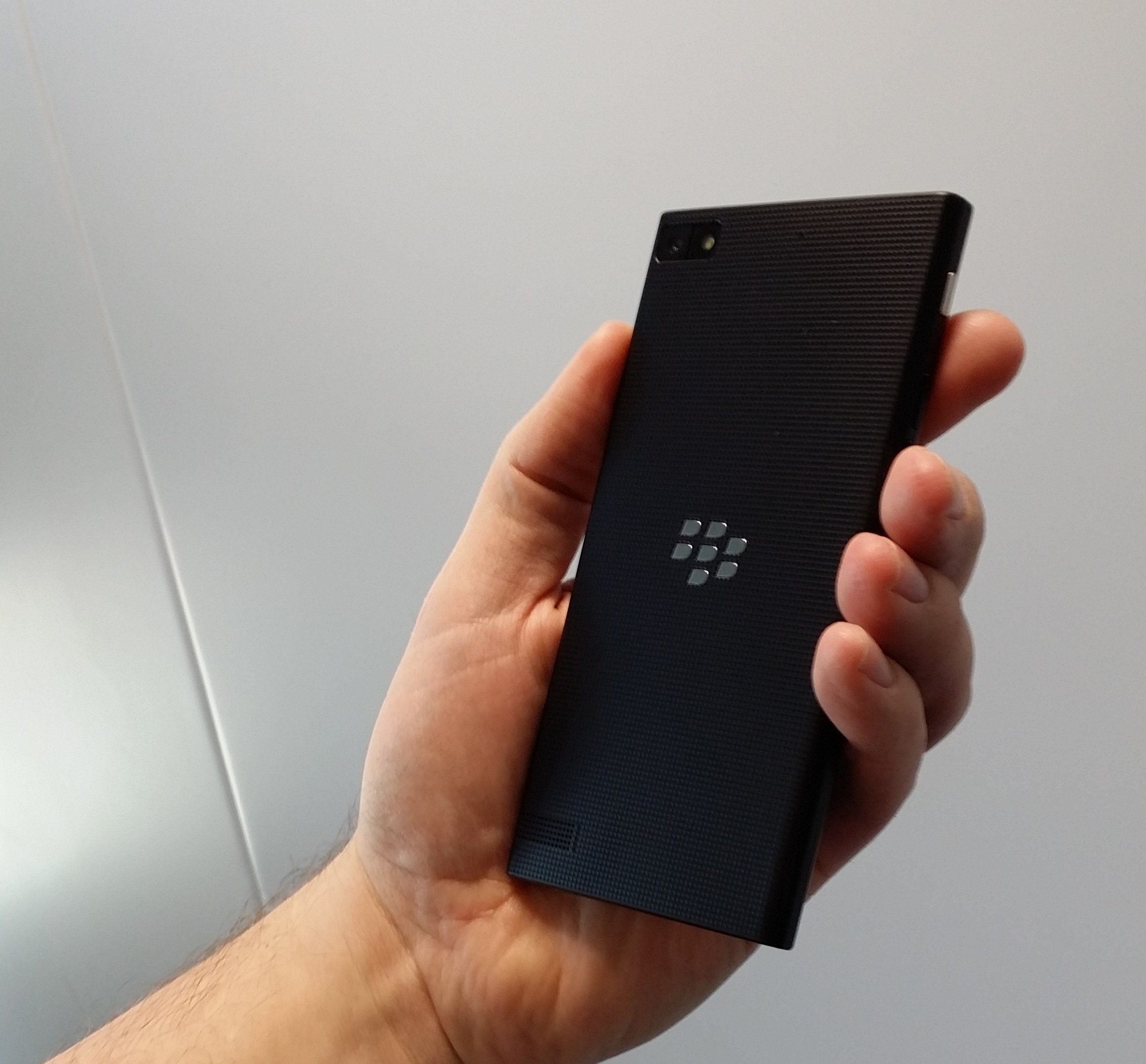 Blackberry Announces Smart phone With 5-Inch Screen and First Update