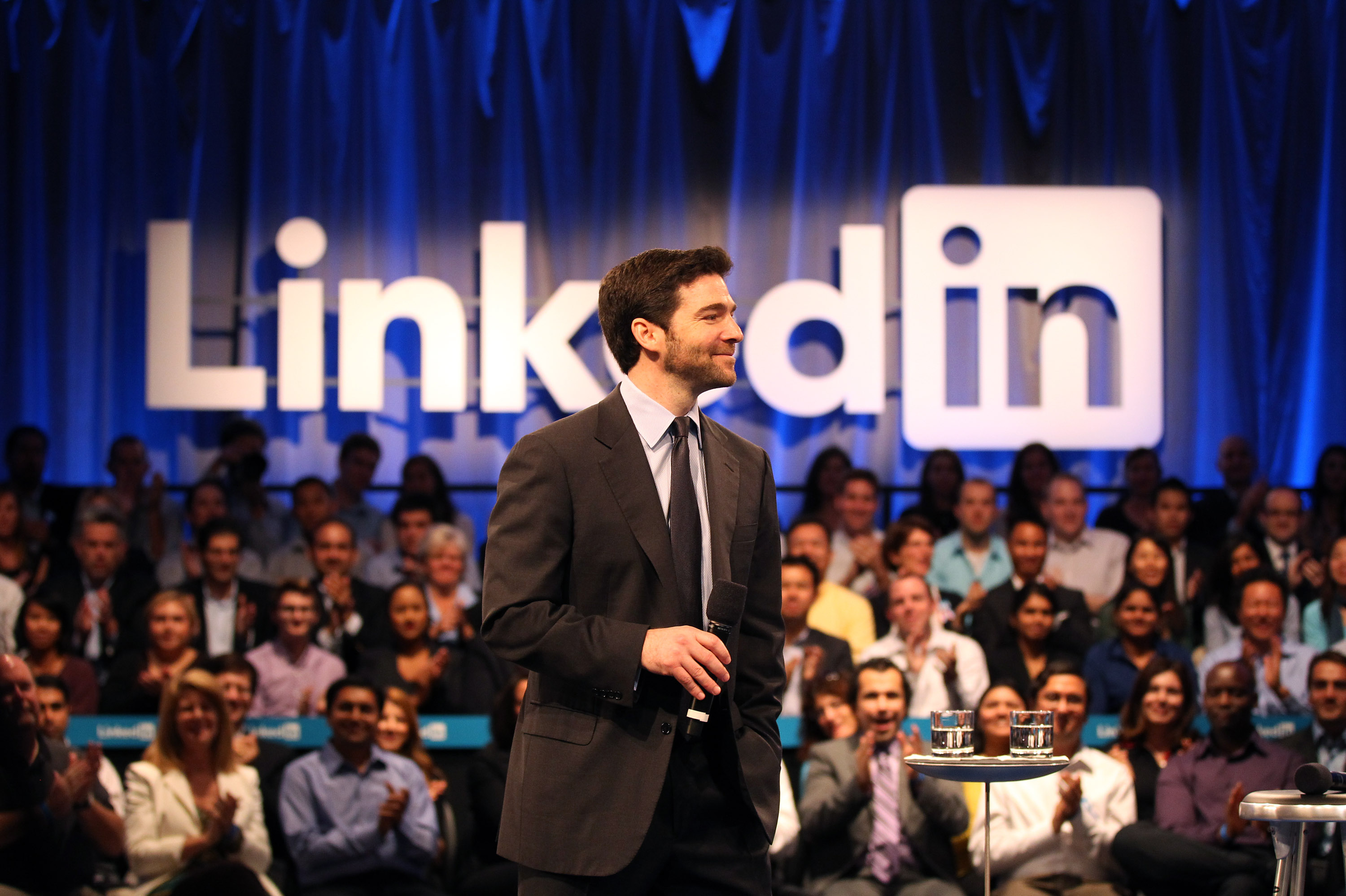 LinkedIn Releases Its First SlideShare iOS App