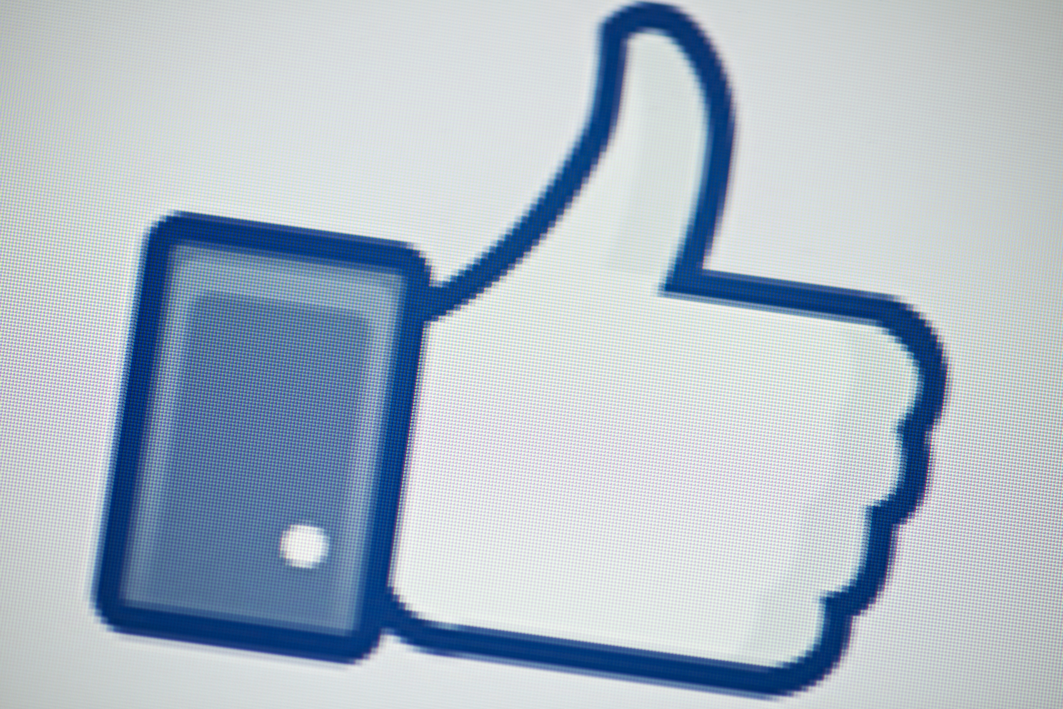 Facebook Brings its Like Button to All Android and iOS Devs