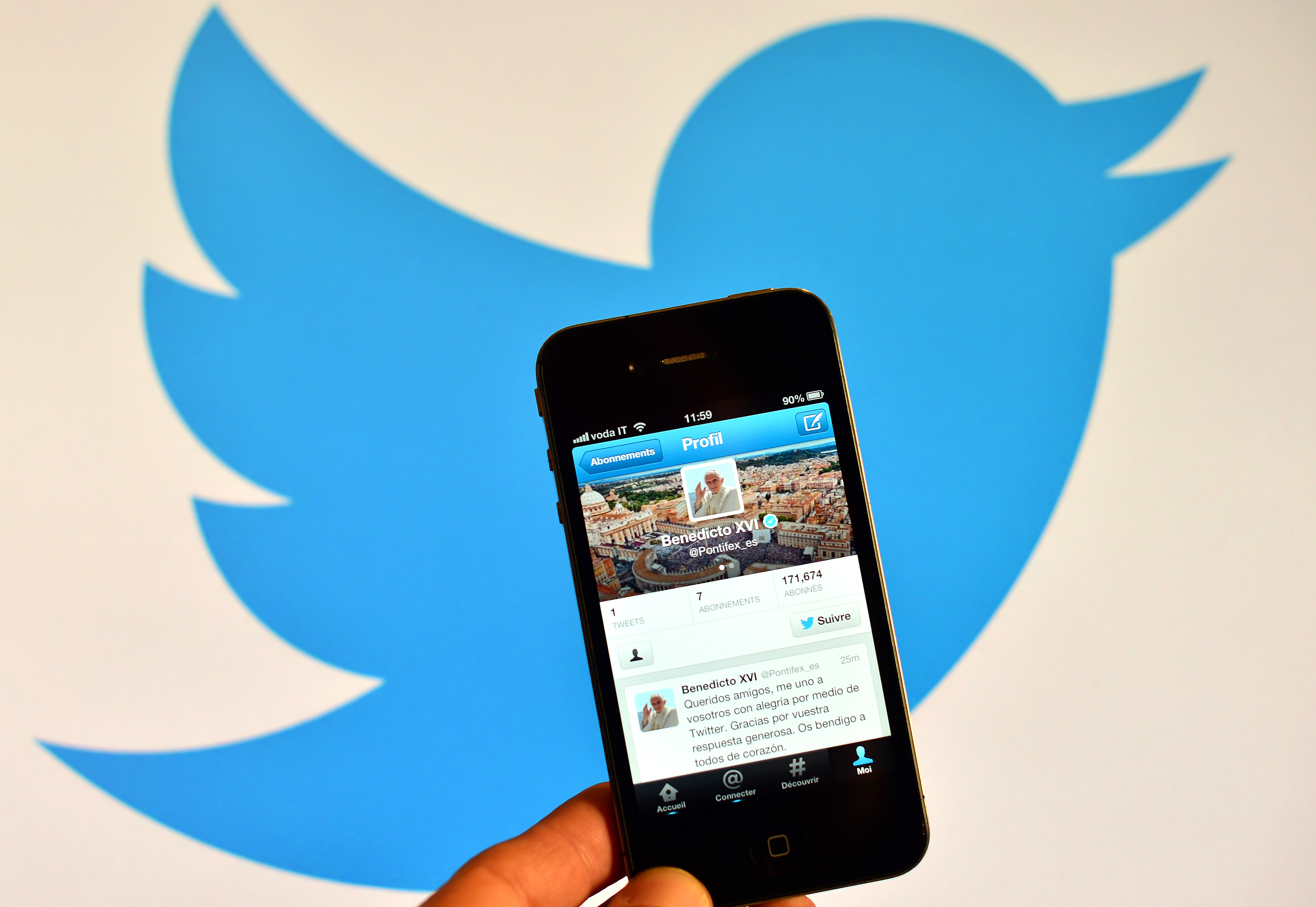 Twitter is Testing One-Tap Video Playback Across its Mobile Apps