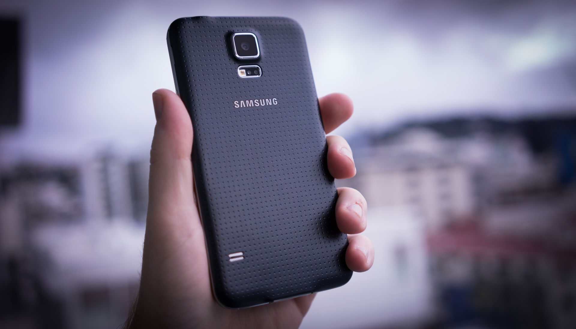 samsung galaxy s5 review incremental is the new cool. Black Bedroom Furniture Sets. Home Design Ideas