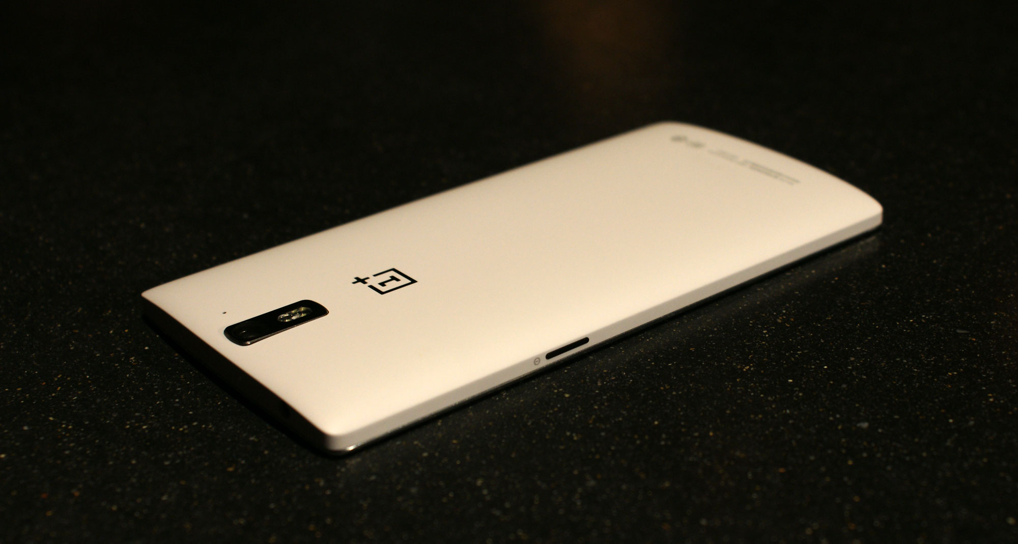 Cyanogen Powered One Plus Is A Customizers Dream Phone The First Circuit Has Cell An Ammeter Reading 05a And Lamp Case Whole Thing Wrapped In