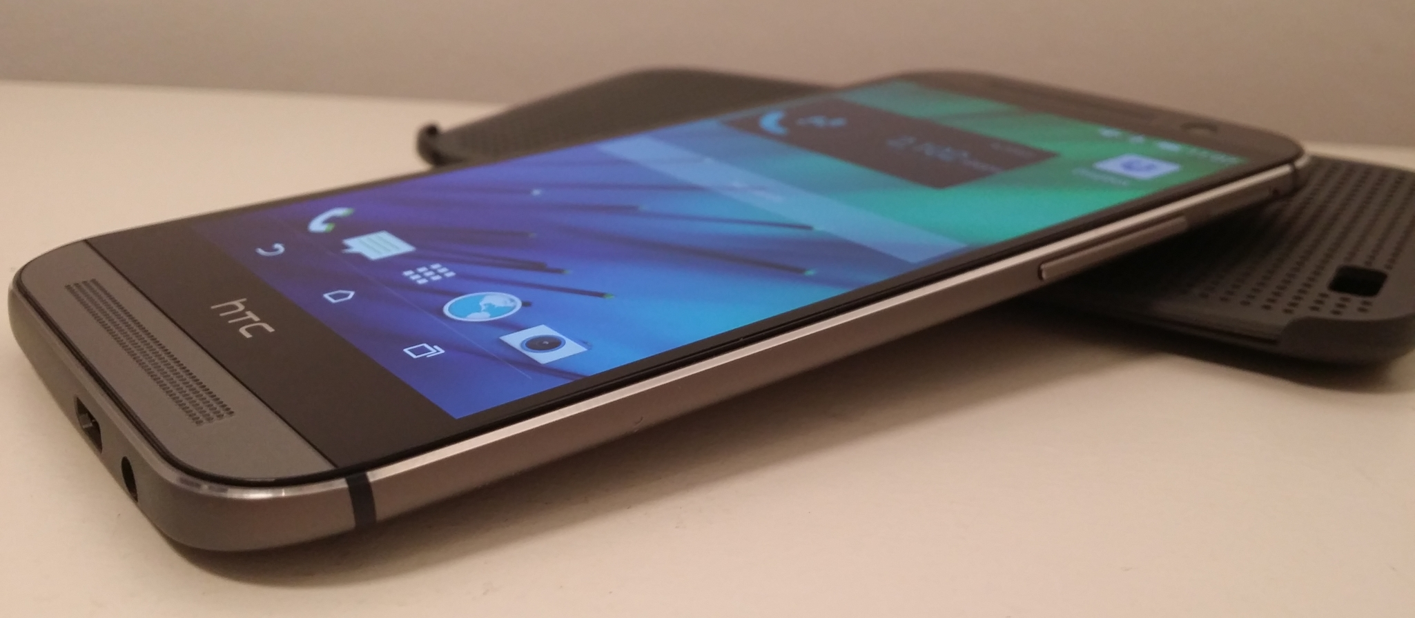 HTC One (M8) Launch Fails to Avoid 27% YoY Revenue Drop in May