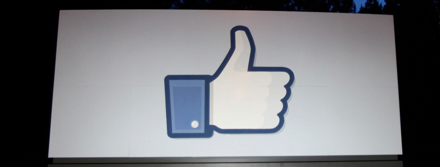 Facebook Kills Off Its Poke and Camera Apps