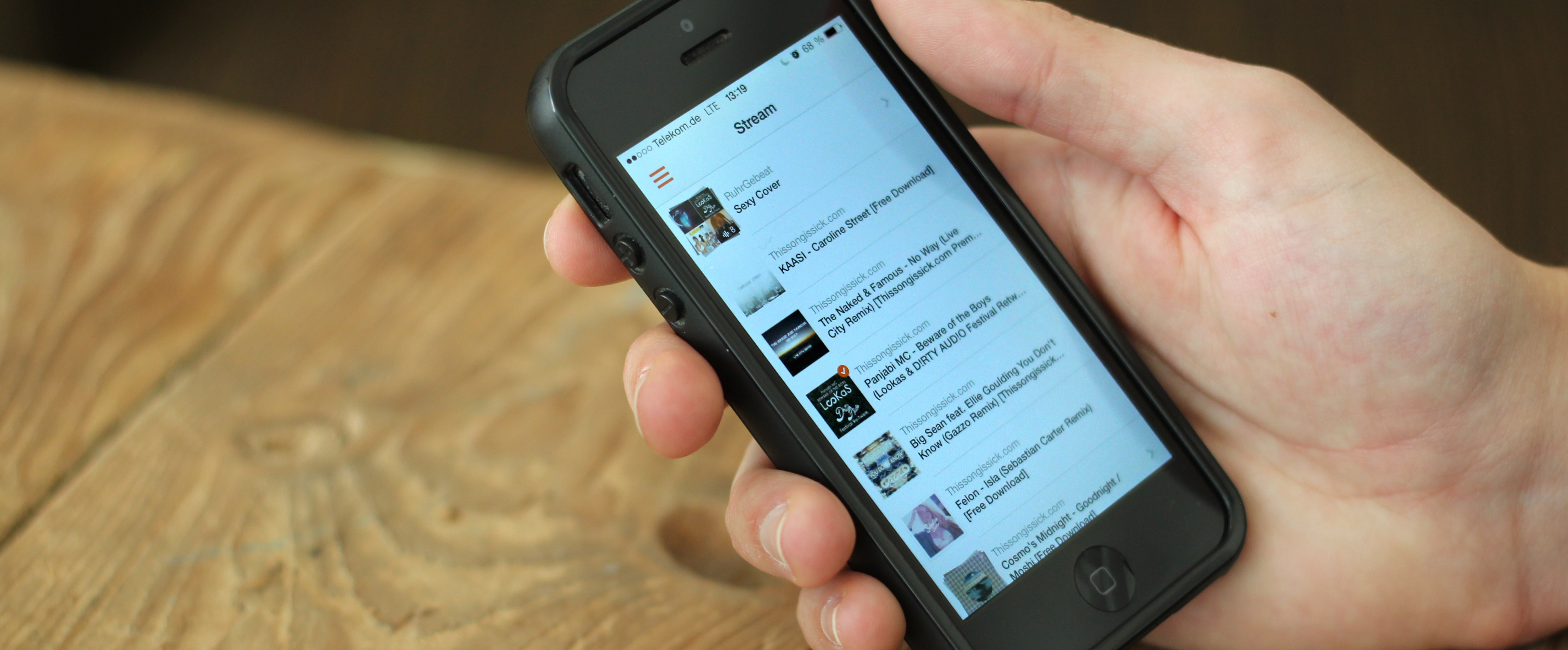 Soundflake is a Brilliant SoundCloud Client for your iPhone