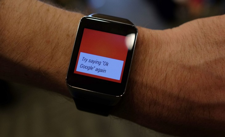 Wrist-on with the Samsung Gear Live Smartwatch: Finally a smartwatch that's not embarrassing