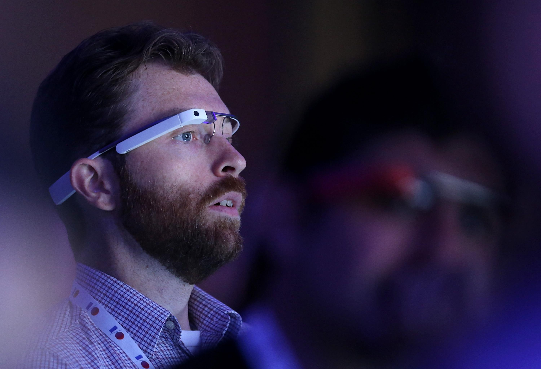 Google Glass Gets Shazam, Runtastic and Duolingo Apps