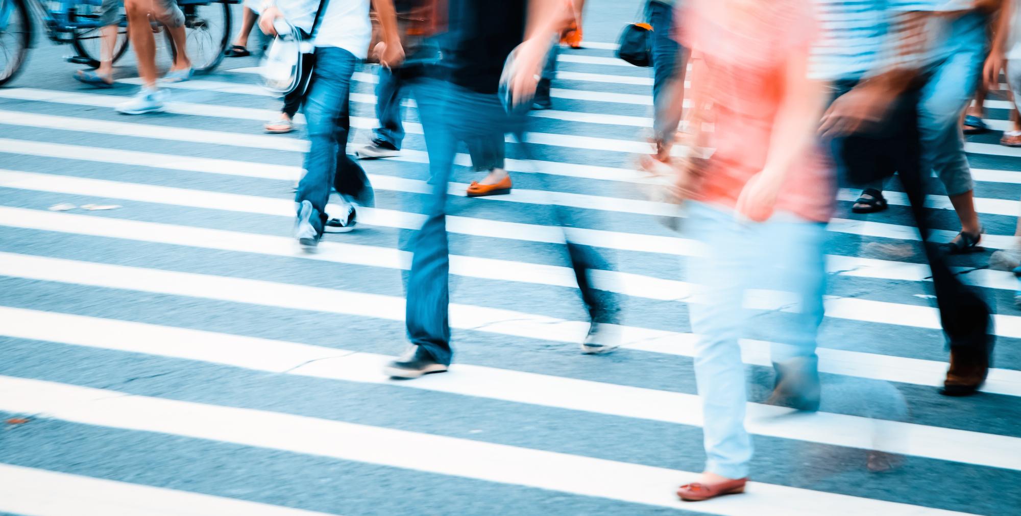 Hawaiian bill bans texting while crossing the road