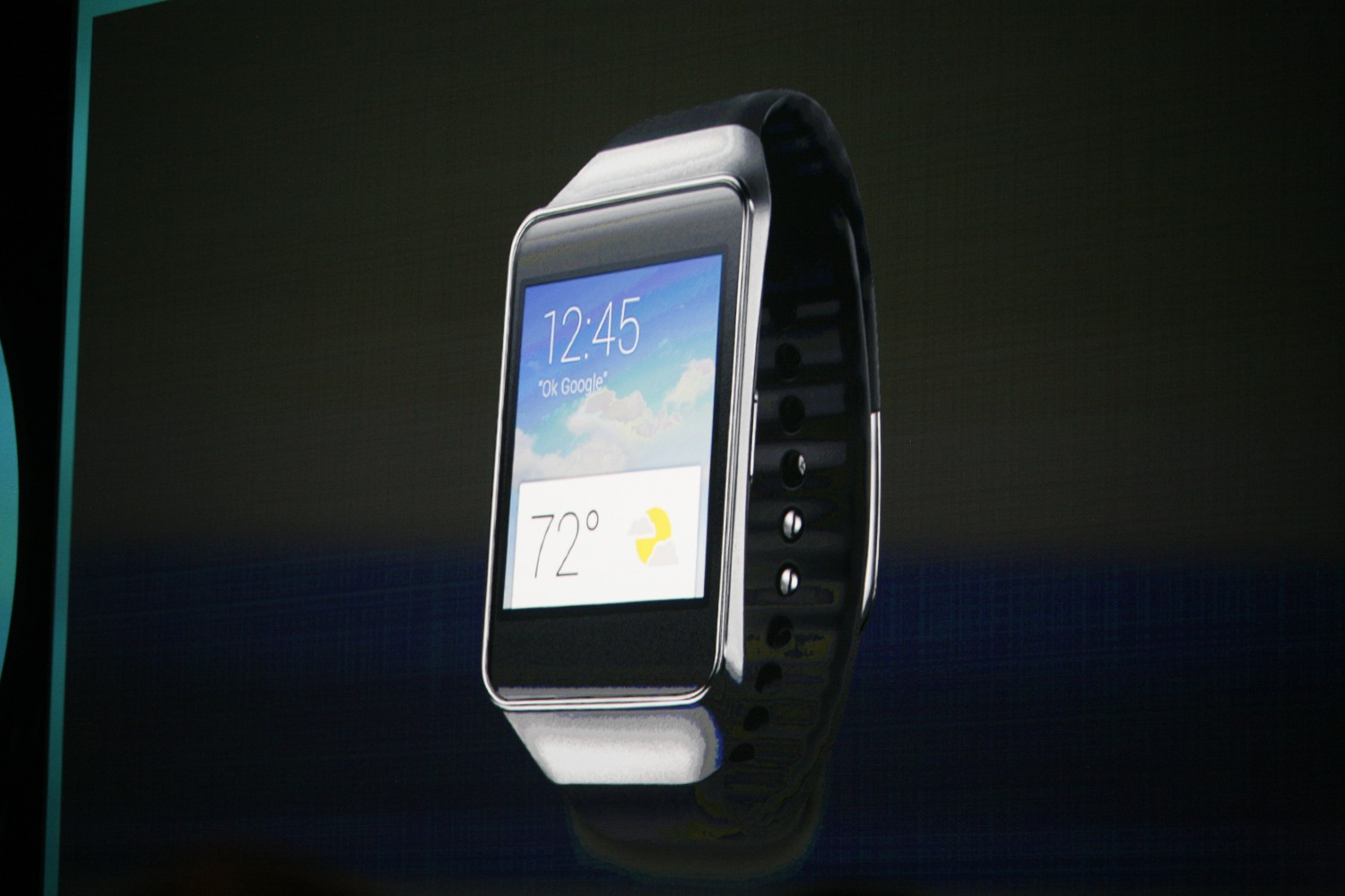 Samsung Gear Live and LG G Android Wear Smartwatches ...