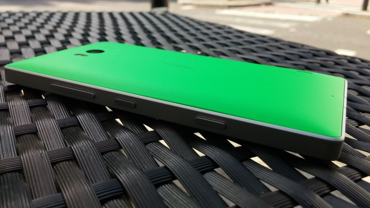 Lumia_930_rear