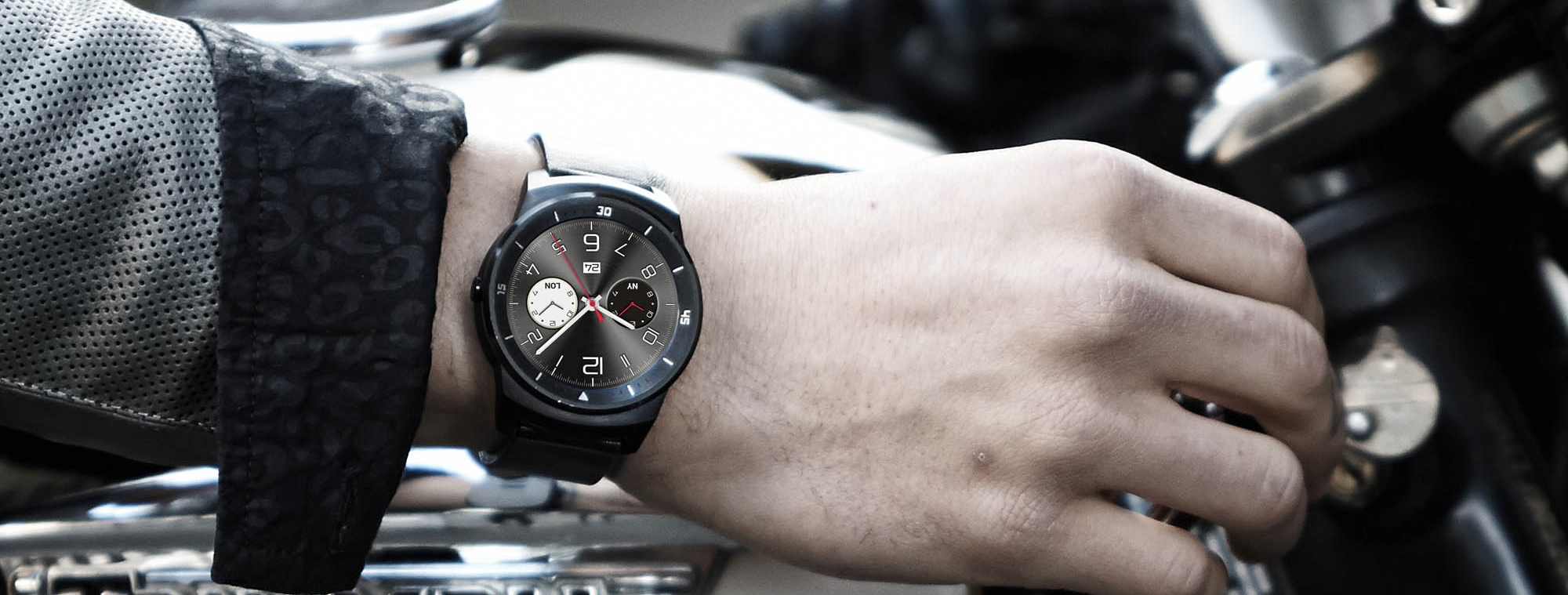 LG's new G Watch R is a stylish-looking smartwatch with a 1.3-inch circular screen