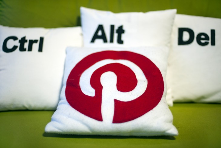Pinterest adds a full-blown messaging service to help you send and chat about Pins