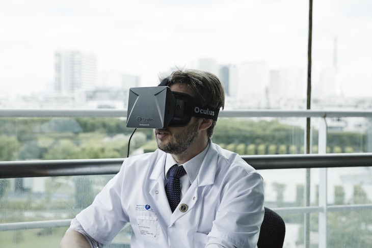 Oculus Rift allows medical students to experience a procedure from a surgeon's perspective