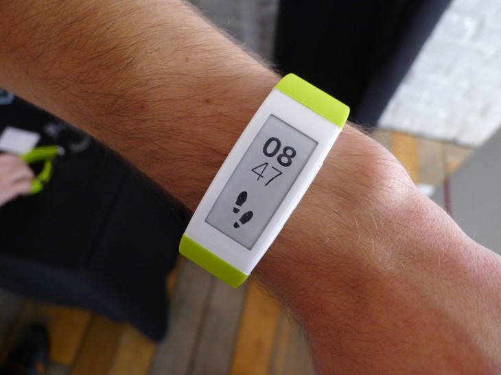 Sony's SmartBand Talk fitness tracker has a curved e-ink display and built-in mic for taking calls