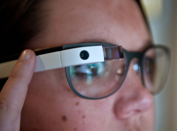 Photos shot with Google Glass will now sync with your iPhone immediately