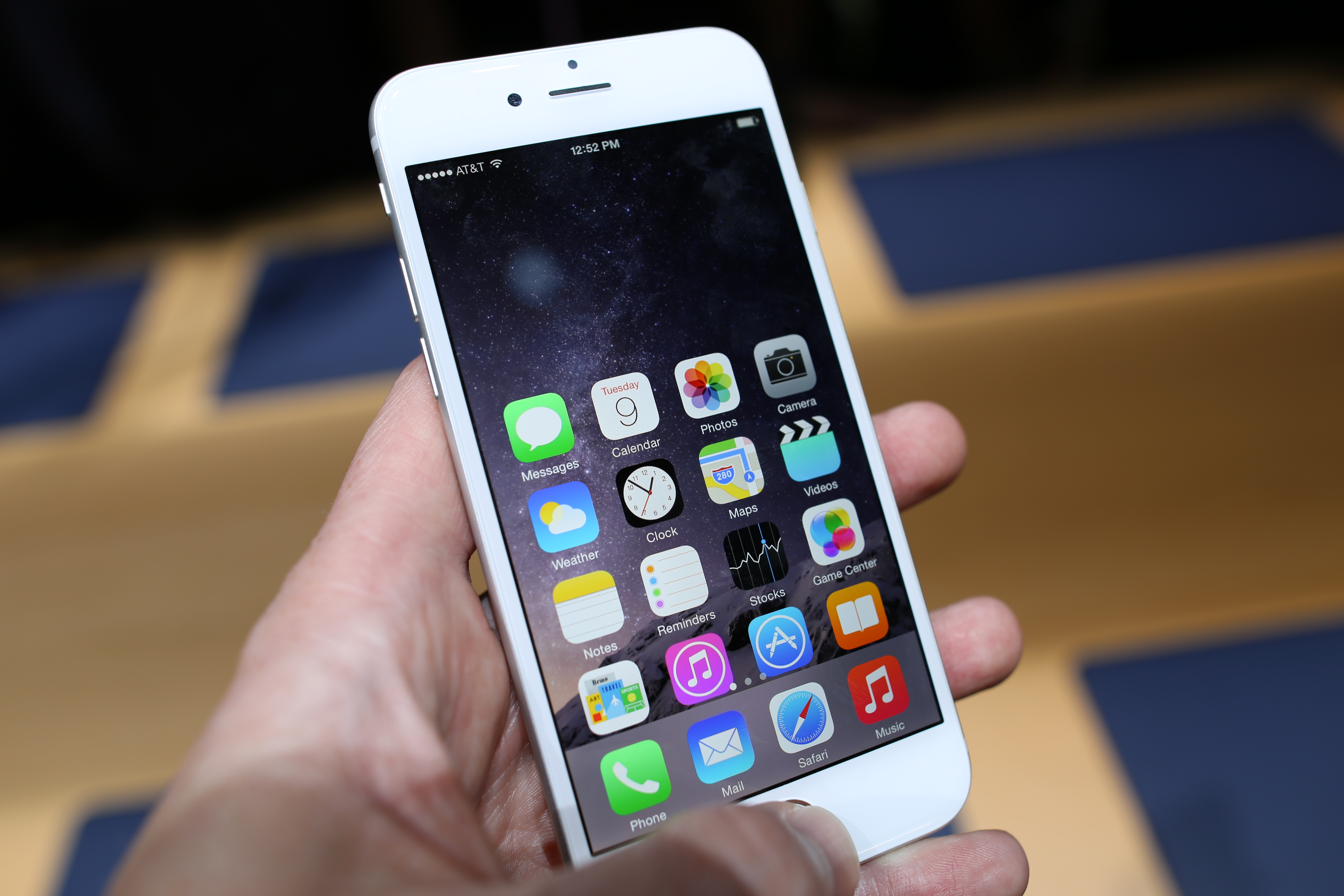 how to use two apps at once iphone 6 plus