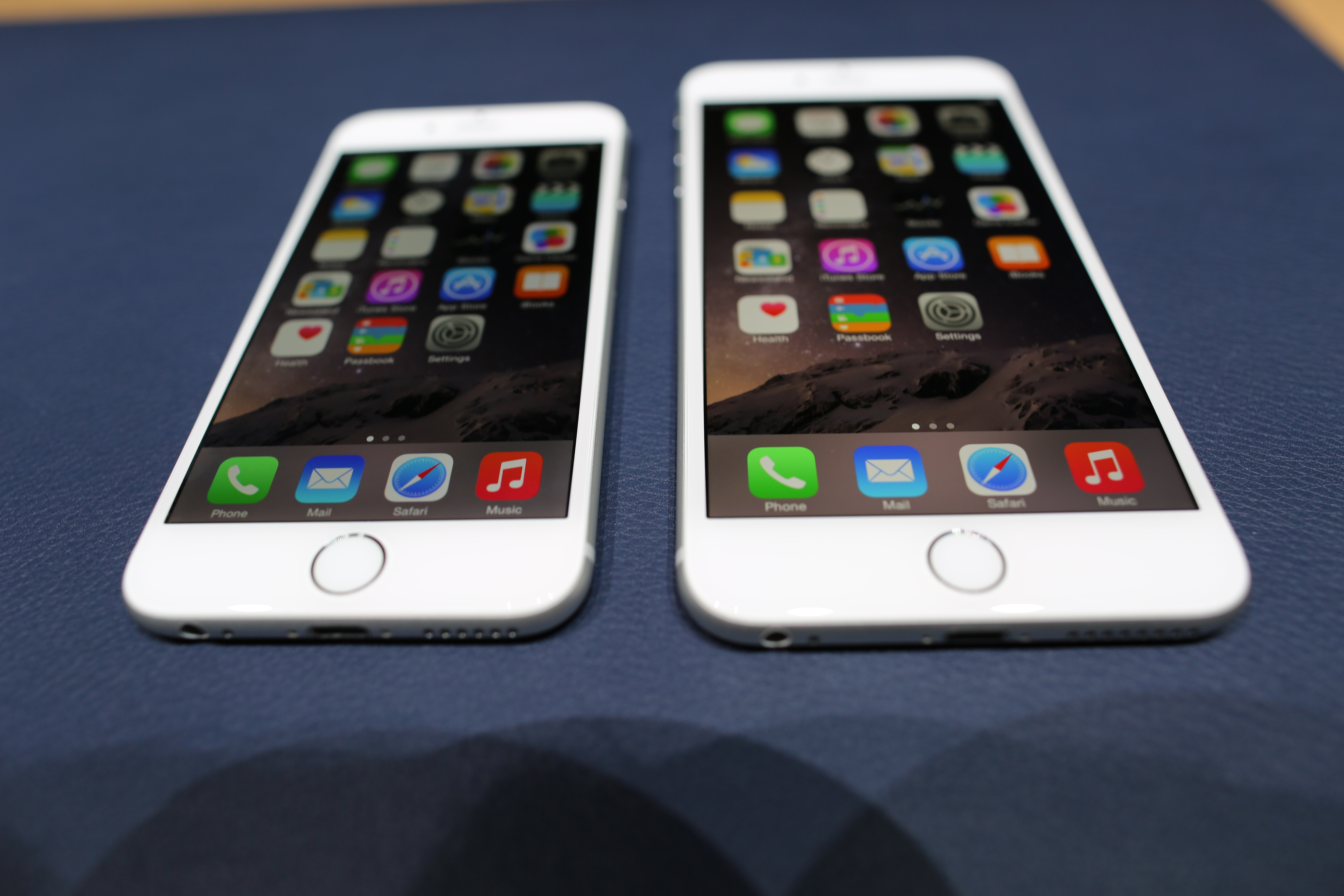 how much is an iphone 6 plus on with the new larger iphones 3019