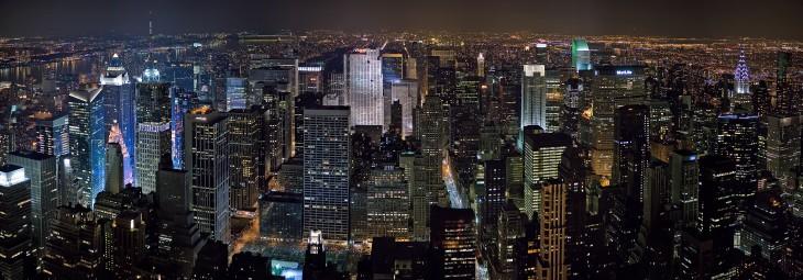 New_York_Midtown_Skyline_at_night_-_Jan_2006_edit1