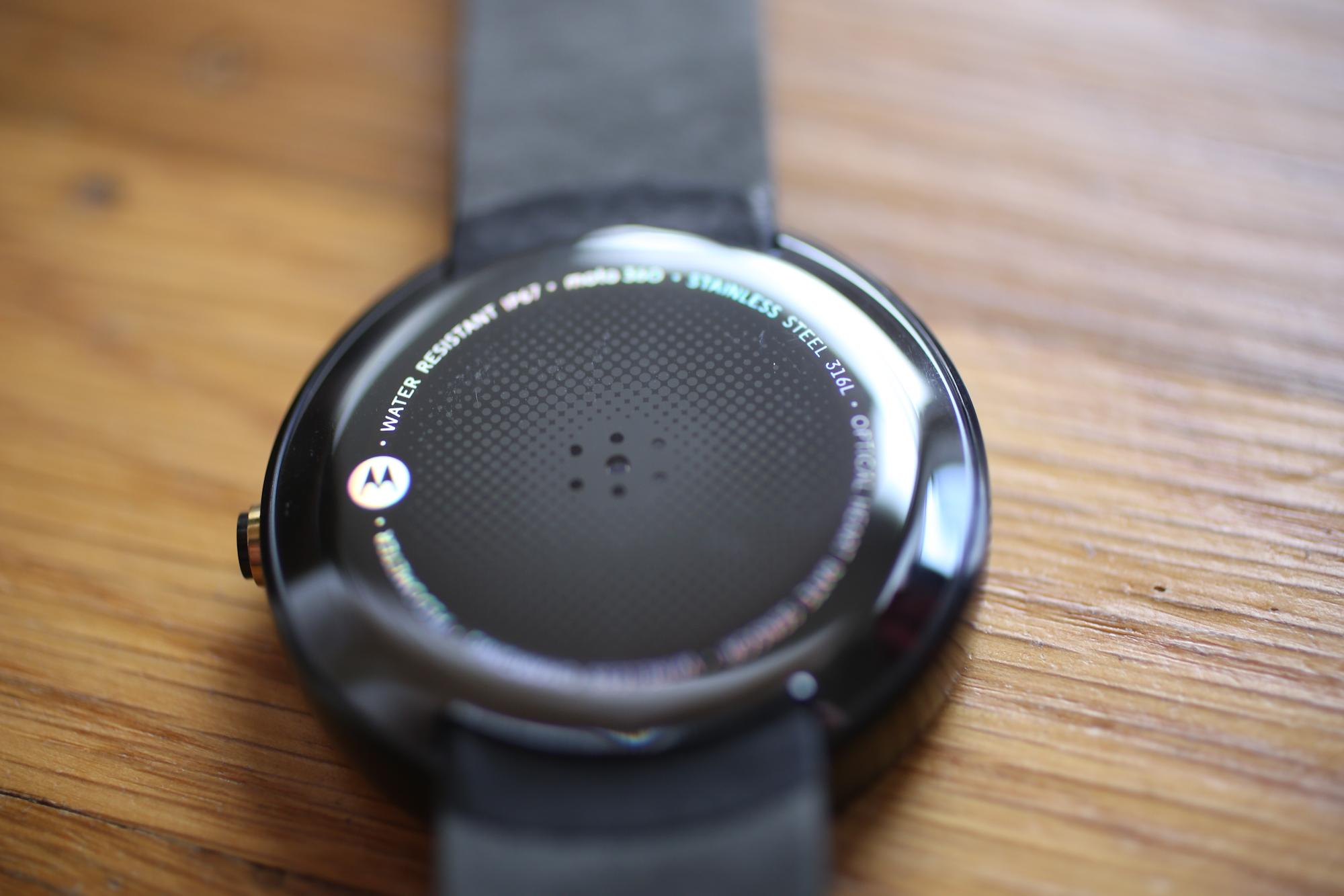 Moto 360 Review: A Beautifully Flawed Watch