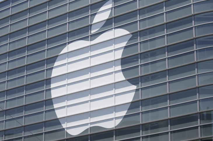 "Apple halts online sales in Russia due to ""extreme"" ruble fluctuations"