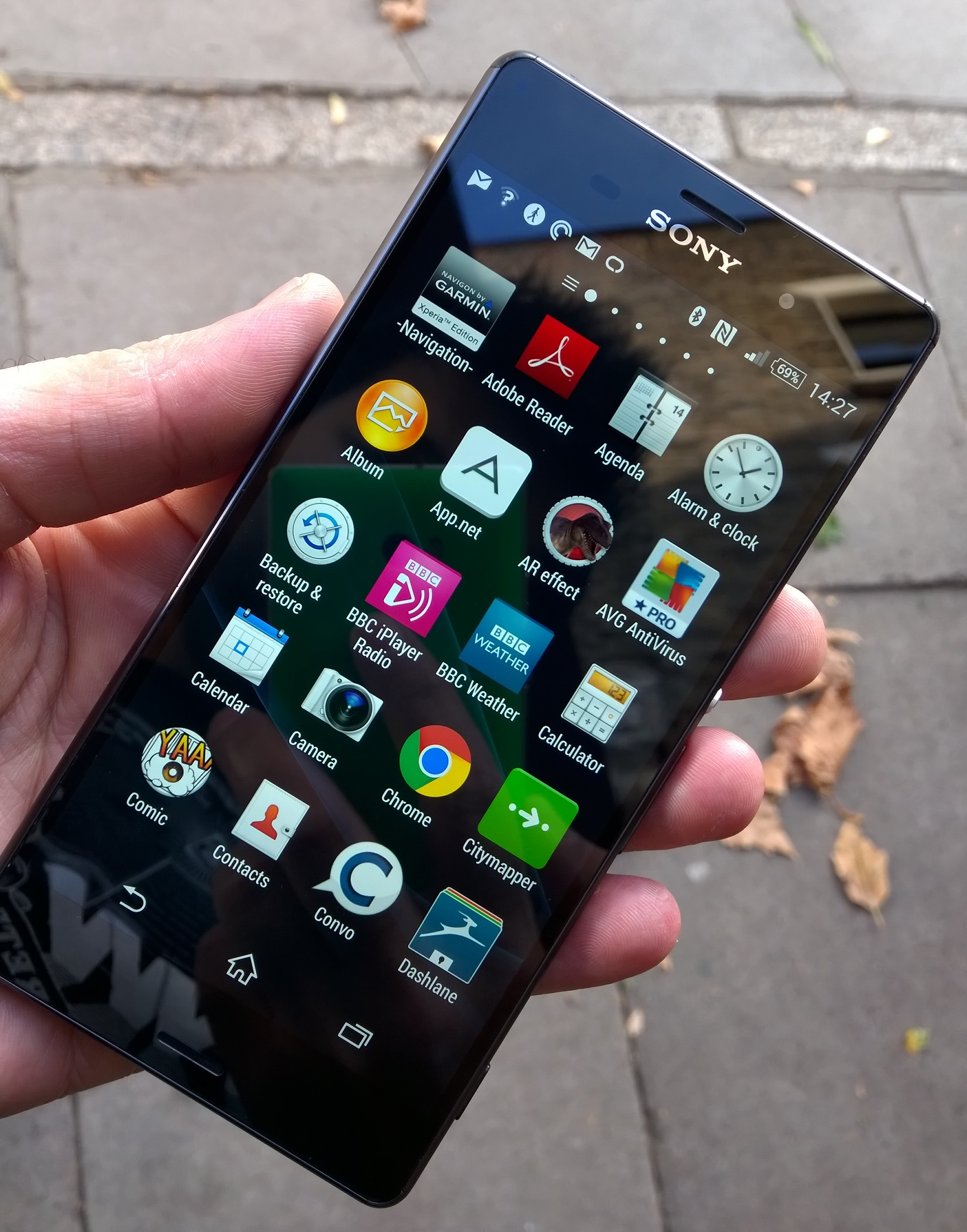 Sony xperia z3 review iterative upgrades in the right places xperiaz3front ccuart Image collections