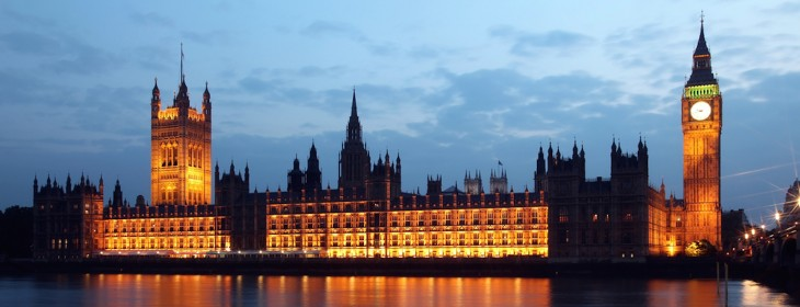 Social media sites must simplify their terms, UK parliamentary committee says