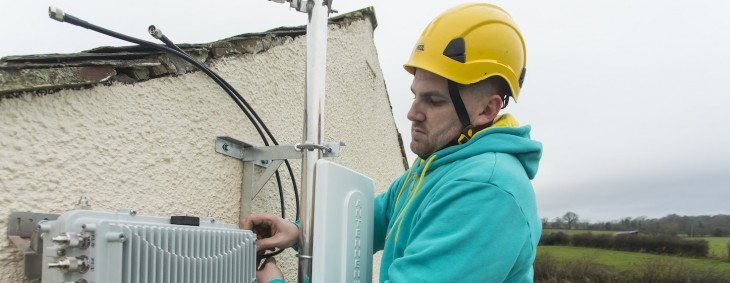 EE reveals micro-network plan to fix 1,500 rural mobile black spots