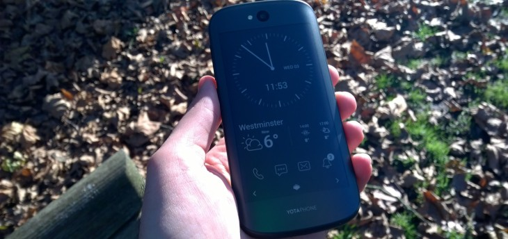 YotaPhone 2 review: The 5-inch dual-screen handset is back, and this time it makes sense