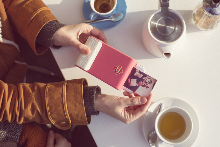 Prynt's smartphone case brings a Polaroid-like and augmented reality experience in one