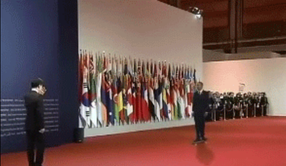 The best GIF of 2014 is…from 2012