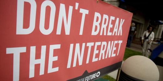 FCC Riles Oliver Stone to Jello Biafra on Web Fast-Lane Vote